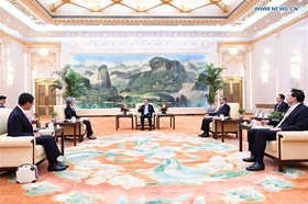 Premier Li calls for enhancing cooperation with ROK, Japan