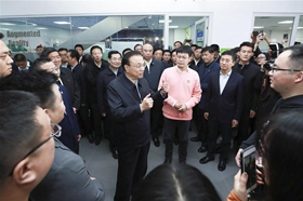 Premier Li urges efforts to promote stable economic growth, improve people's livelihood
